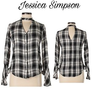 Jessica Simpson Carol Choker Neck blouse. Sz Lrg